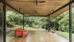 Las Hojas House / OsArquitectura