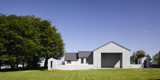 Extension to Primary School / Paul Dillon Architects