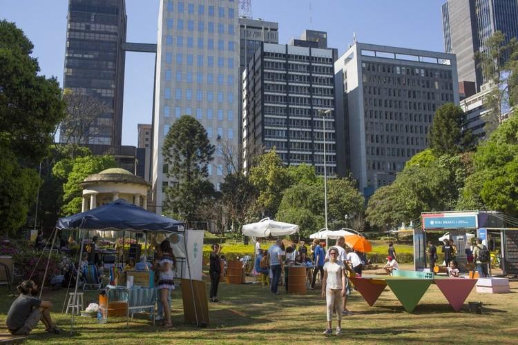 Cinco estratégias para prefeitos melhorarem a vida pública segundo Jan Gehl, Cidades vivas convidam pessoas a aproveitarem seus espaços. Foto: Victor Moriyama/WRI Brasil. Image Cortesia de TheCityFix Brasil
