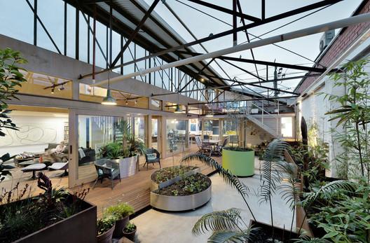 Up-Cycled Warehouse / Zen Architects