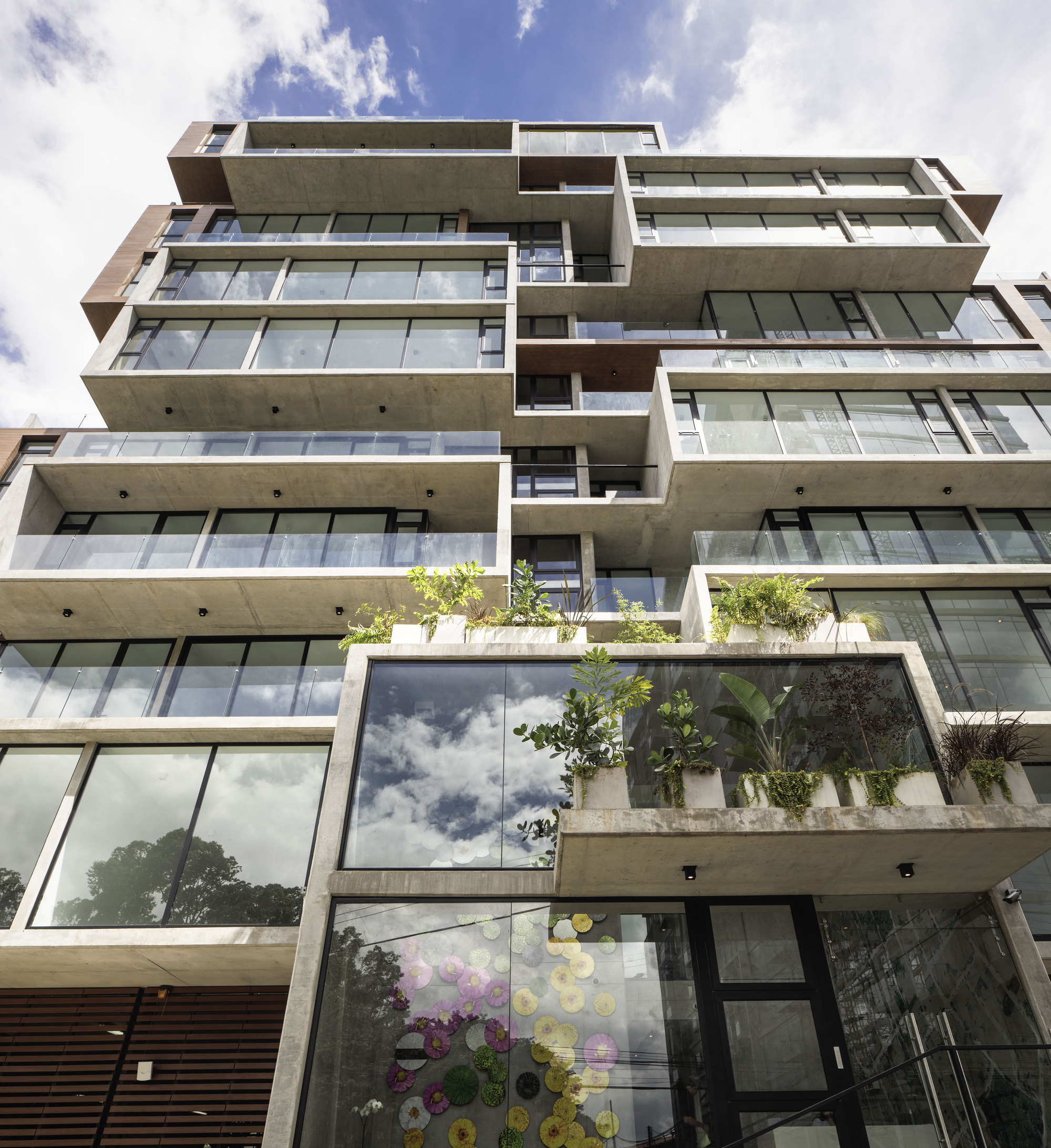 Apartment Building: Gallery Of ONE Apartment Building / JSARQ
