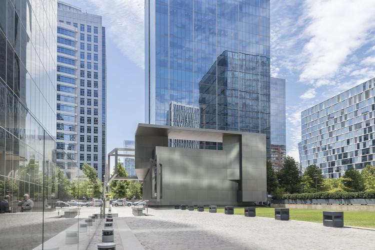 Teatro y Centro Cultural CorpArtes  / Renzo Zecchetto Architects, © Guy Wenborne
