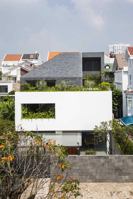 Casa cubo blanco / MM++ architects