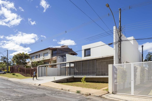 Casa Franca  / BLOCO Arquitetos