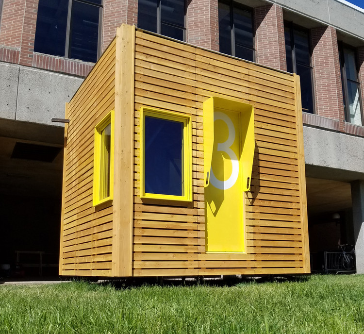 Meet the Mobile Dwelling Space Named B.O.B., © Adam Shilling