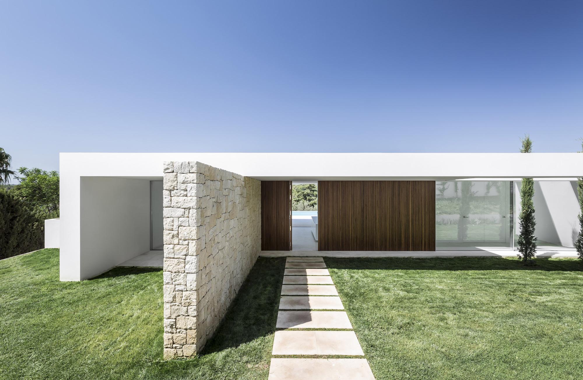Galer a de casa sobre los olivos gallardo llopis for Arquitectos para casas