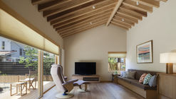 A Warm Final Residence / Takashi Okuno & Associates
