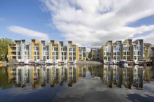Wiener & Co / Arons en Gelauff Architects