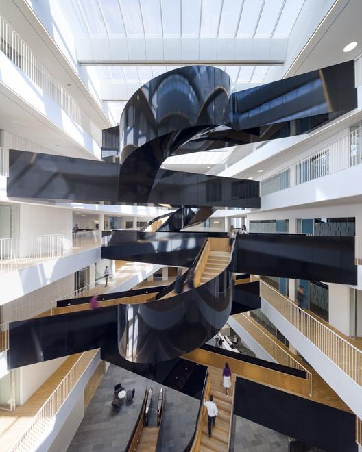 10 escaleras aún más hermosas e inspiradoras, © Adam Mõrk