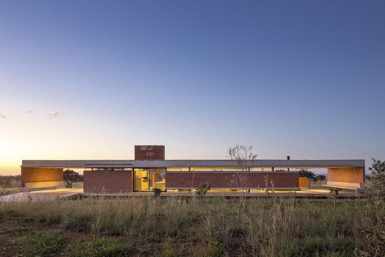 Casa Vila Rica  / BLOCO Arquitetos, © Haruo Mikami