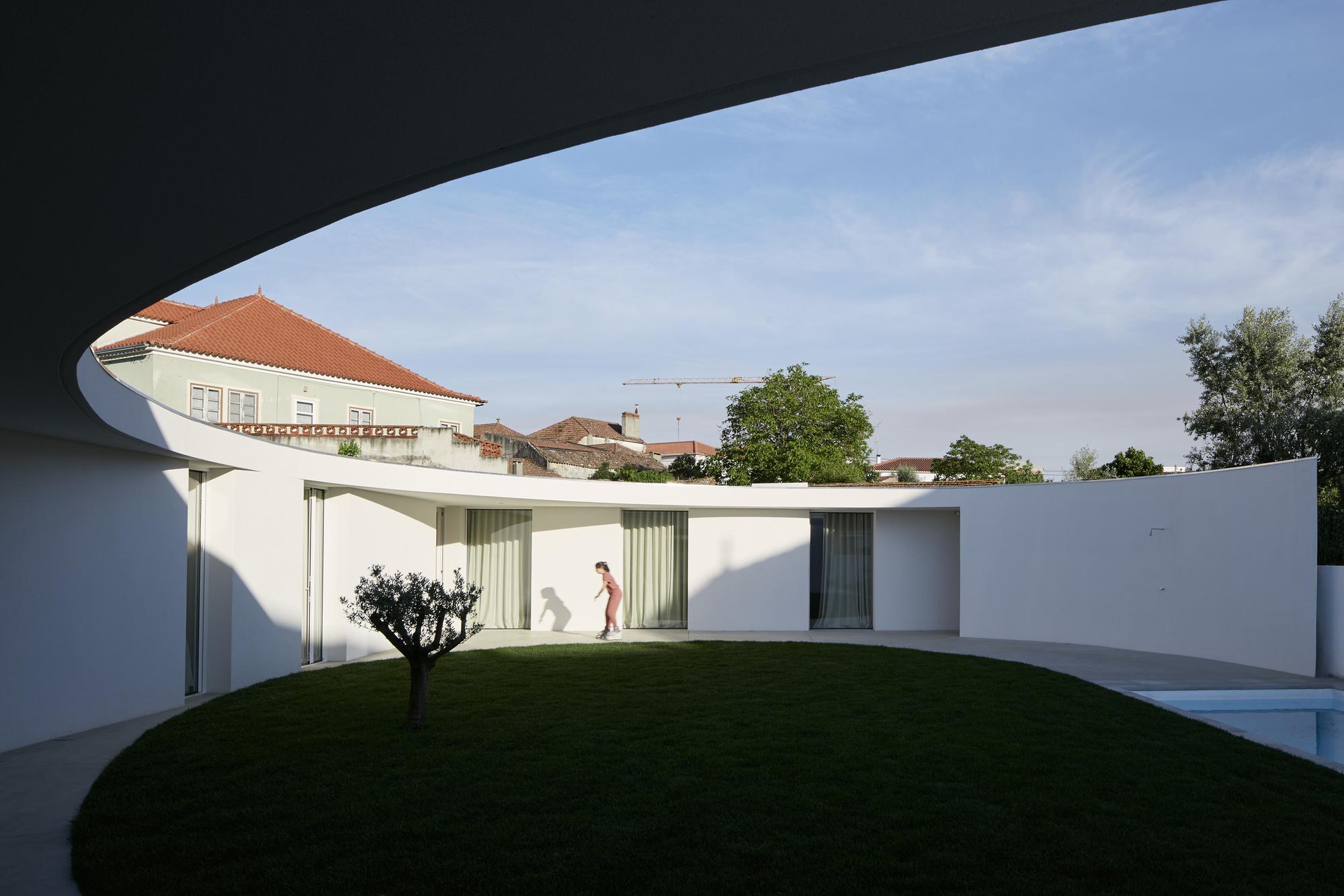 Casa ansi o bruno dias arquitectura plataforma for Plataforma arquitectura