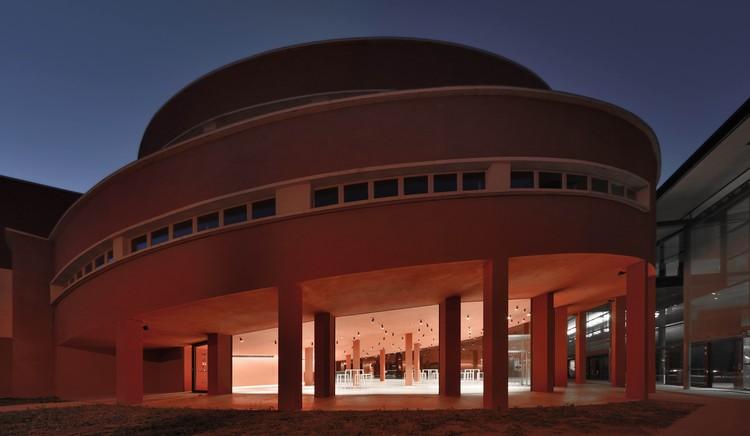 "Comedor de ""Ex-GIL"" / Roland Baldi architects + Elena Casati, © Oskar Da Riz"