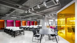 Shanghai Sunrise Polymer Material Office / CCDI GW Design