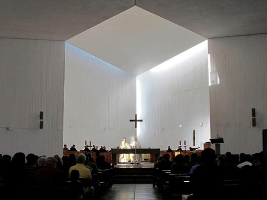 The Benedictine Monastery Chapel / Gabriel Guarda + Martín Correa. Image © Rubén Muñoz