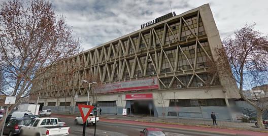 Central Post Office Building / Boris Guiñeman. Image via Google Street View