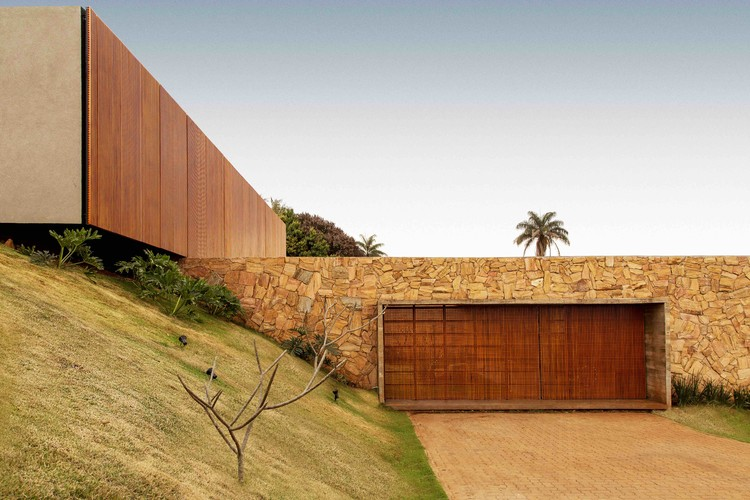 House of the Stones  / mf+arquitetos, © Renato Moura