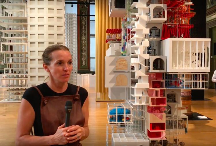 Tatiana Bilbao en la Bienal de Arquitectura de Chicago 2017: 'Los rascacielos se han vuelto los suburbios verticales de la ciudad'
