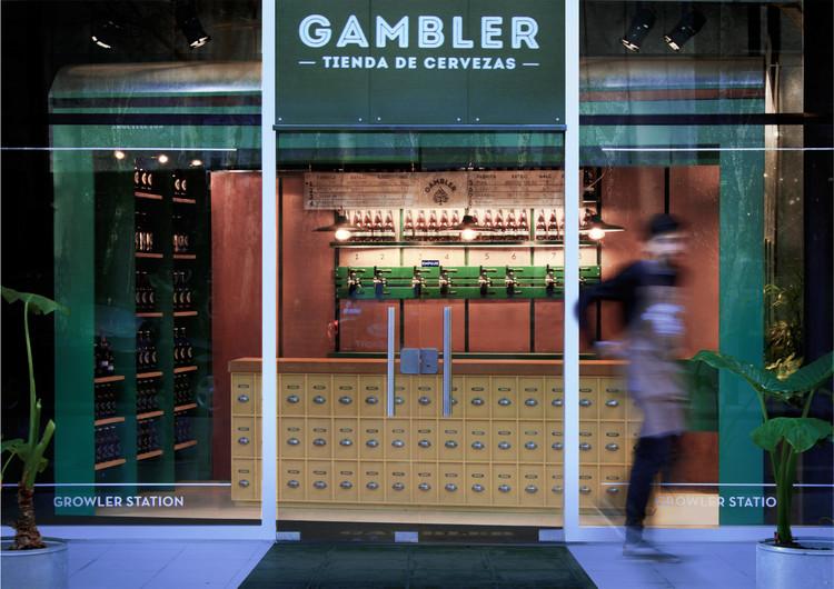 Tienda de Cervezas Gambler  / Carbono Atelier, Cortesía de Carbono Atelier