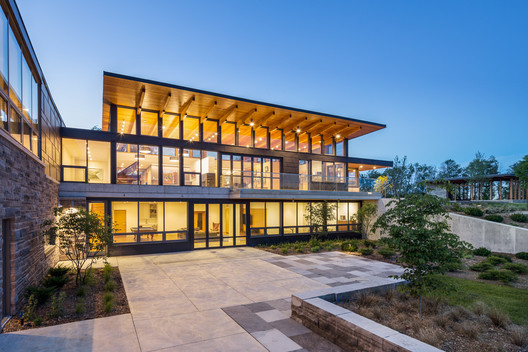 Millgrove House / Toms + McNally Design