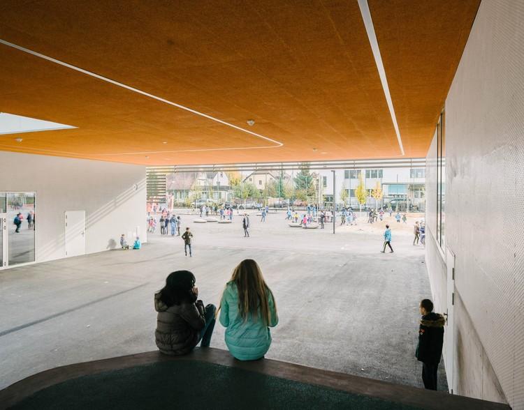 نمونه عکس پیشنهاد معماری دو فضای و ساختمان ساده در مدرسه
