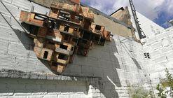 Mauricio Salcedo: el arte tras la arquitectura informal