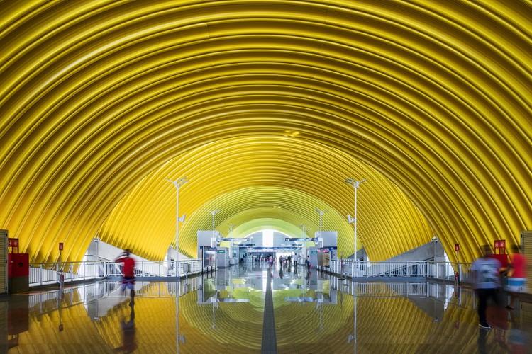 Estações da Linha 2 - CCR Metrô Bahia  / JBMC Arquitetura e Urbanismo, © Nelson Kon