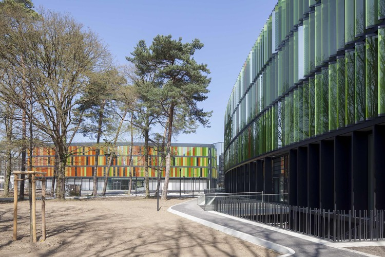 DZNE German Center for Neurodegenerative Diseases  / wulf architekten, via wulf architekten