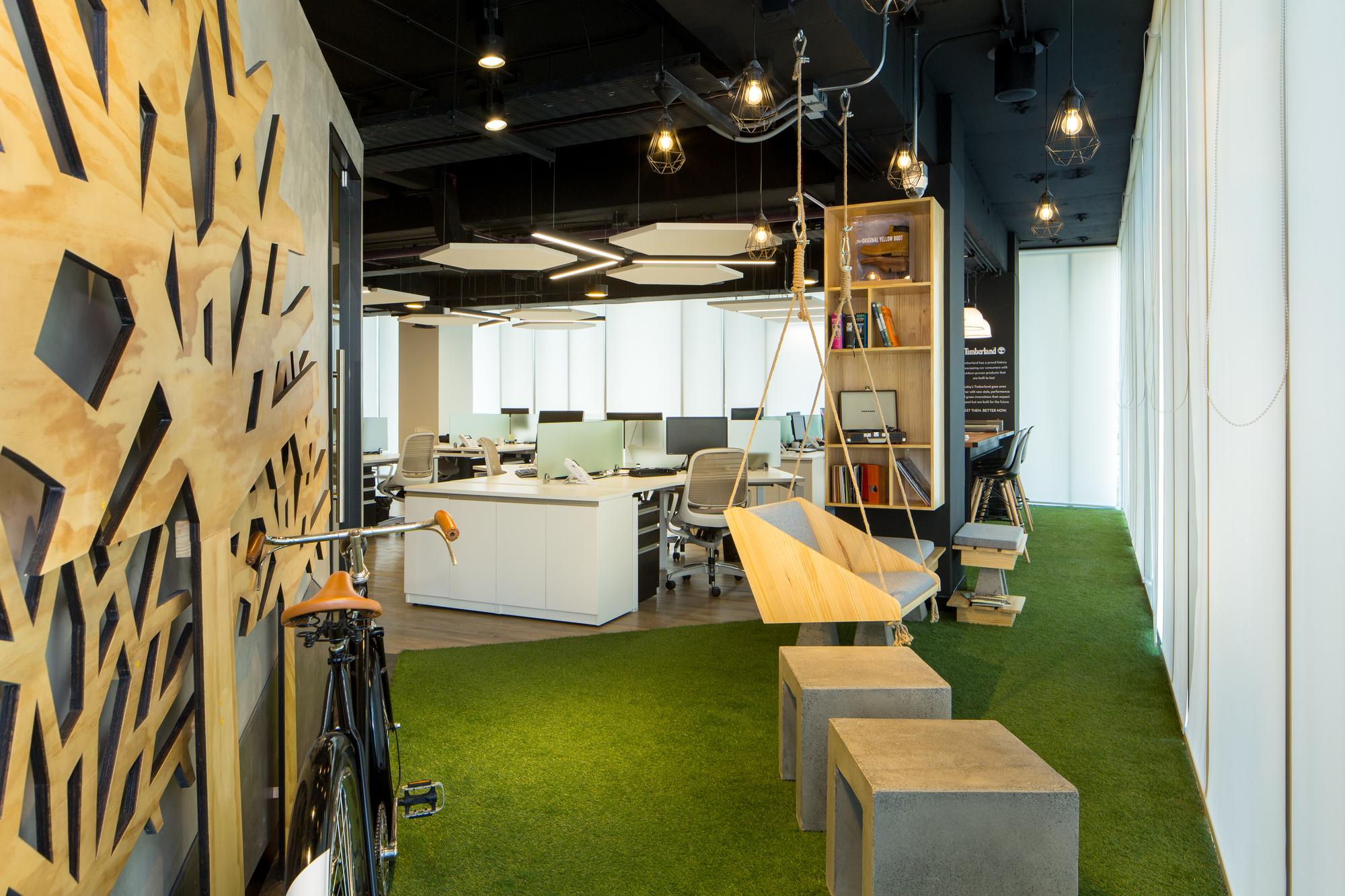 Dise o de espacios de trabajo y su influencia en el for Aulas web arquitectura