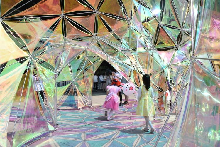 Pabellón Flora / Escuela de Diseño de la Universidad de las Artes de Nanjing, Espacio de color compartido. Image © Yusi Chen