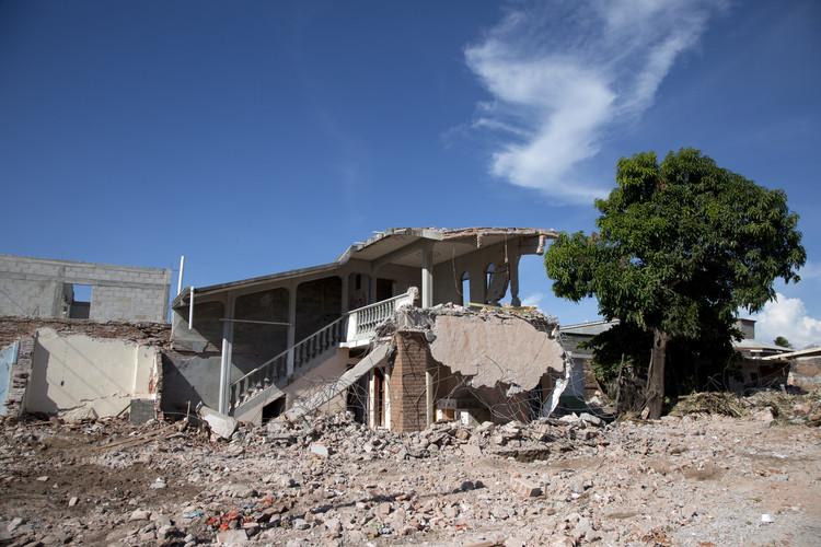 El sismo del 7 de septiembre en México: olvido, reconstrucción y negocio, © Onnis Luque