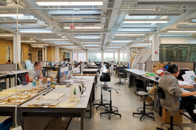 DesignIntelligence divulga as melhores escolas de arquitetura nos EUA, Milstein Hall at Cornell University / OMA. Image © Matthew Carbone