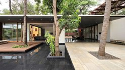 The Portal House / Reasoning Instincts Architecture Studio