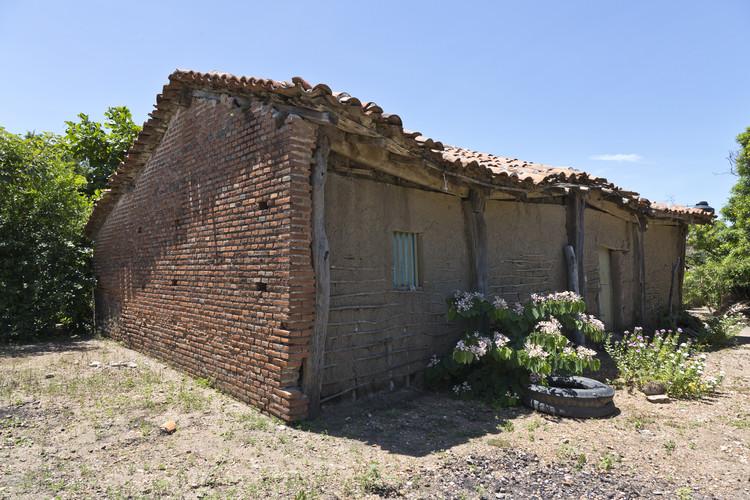Peña Nieto afirma erróneamente que 'la caída de viviendas [tras el sismo en Oaxaca] se debió a que están hechas de adobe', © Onnis Luque