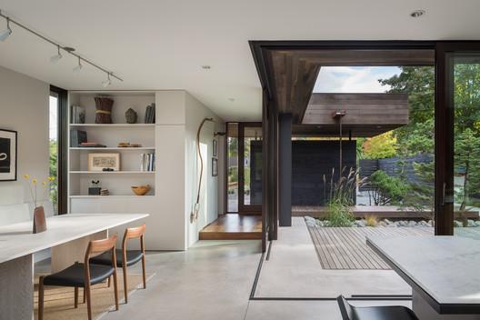 Casa Calle Helen / mw|works architecture + design