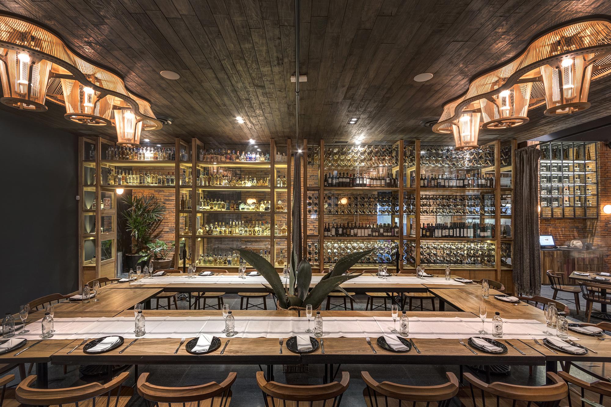 Restaurante la tequila le n le n orraca arquitectos for Restaurante escuela de arquitectos madrid