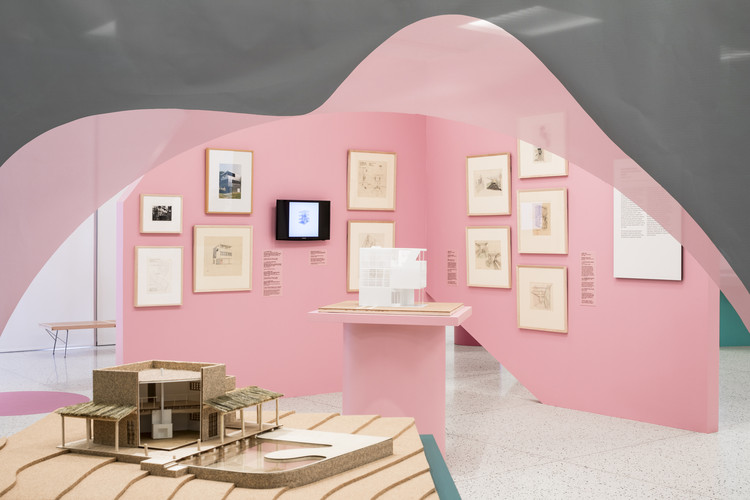 Palm Springs Art Museum Opens Exhibit on Lina Bo Bardi and Albert Frey, © Lance Gerber