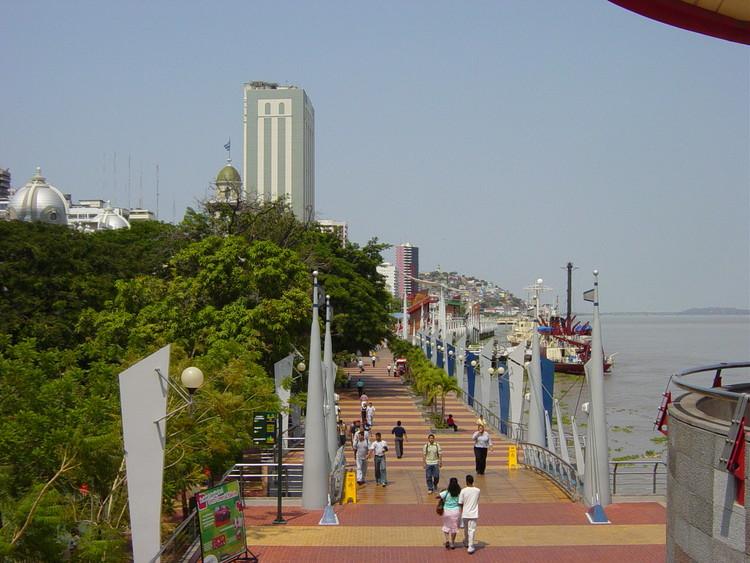 Guía de arquitectura en Guayaquil: 15 sitios para conocer la ciudad del Río Guayas, vía Wikipedia User: Martin Zeise, Berlin Licensed Under CC BY-SA 3.0