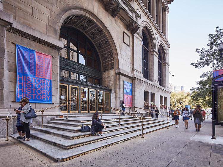 """Como os arquitetos da Bienal de Chicago estão """"fazendo uma nova história"""", Chicago Cultural Center. Image © Tom Harris"""