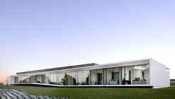 Aseptic Office and Lab / AUM architecture