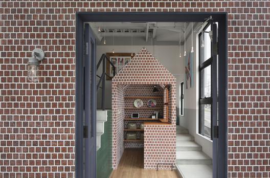 Salón de perros Rappa / Hidenori Tsuboi Architects