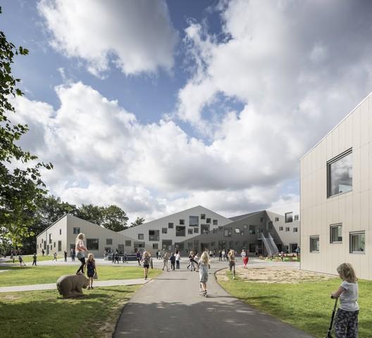 Odder Kommune School  / CEBRA