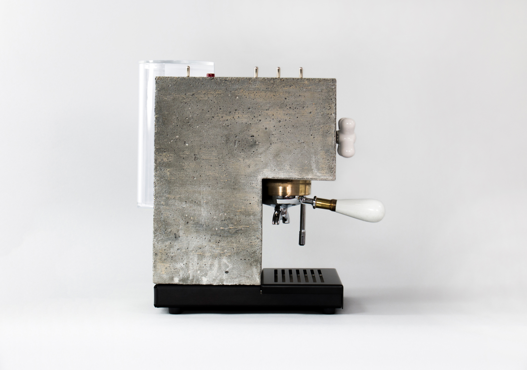 AnZa: uma cafeteira brutalista de concreto