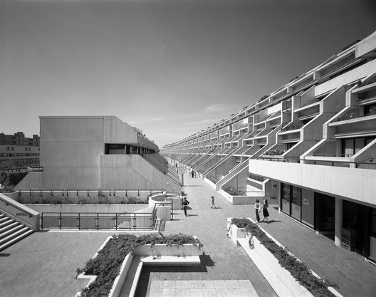Designed in 1968 by Neave Brown of Camden Council's Architects Department, this multi-family, 8-storey council housing estate, properly known as the Alexandra and Ainsworth estate, was built between 1972 and 1979. Image © Martin Charles / RIBA Collections