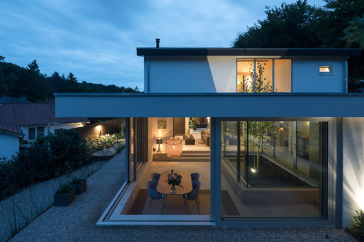 Patio House / Bloot Architecture