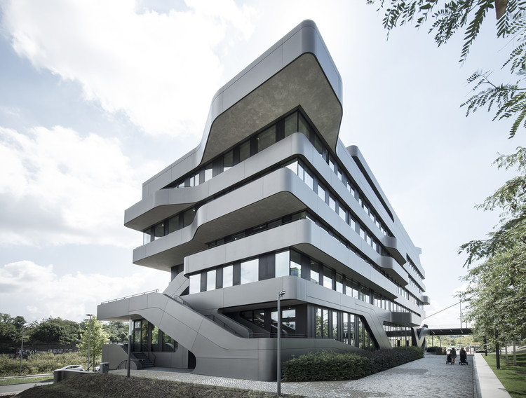 fom hochschule building in d sseldorf j mayer h architects archdaily. Black Bedroom Furniture Sets. Home Design Ideas