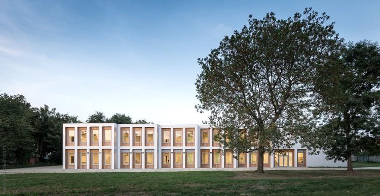 10 New Classrooms - Marcinelle / LT2A + OPEN ARCHITECTES, © Utku Peli & Severin Malaud