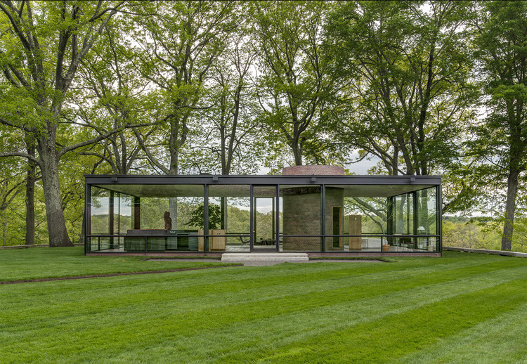 Exposição: Casas de Vidro, courtesy of: philip johnson, the glass house