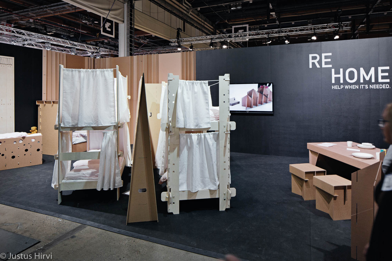 Students Design Temporary Furniture For Victims Of Displacement,© Justus  Hirvi