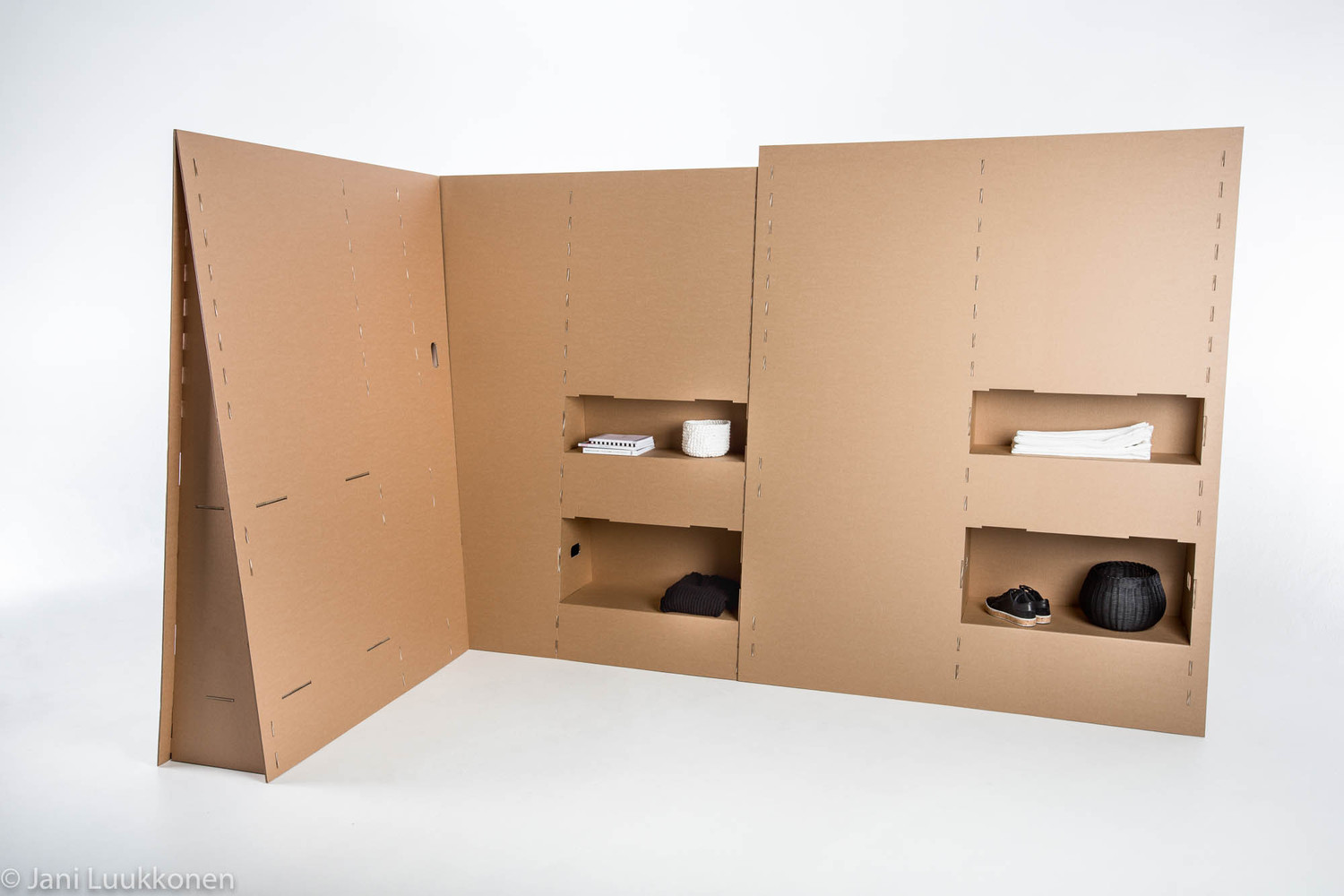 Students Design Temporary Furniture For Victims Of Displacement,© Jani  Luukkonen