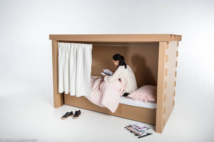 Students design temporary furniture for victims of for Software para hacer muebles de madera